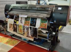 Screen Printing vs Vinyl Decal Printing - [What is Best For You]