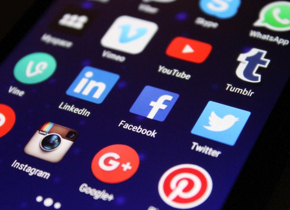 advertise print on demand social media ideas